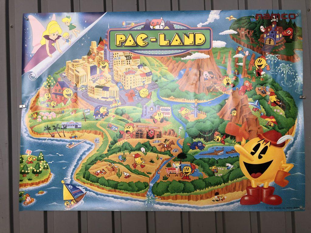 パックランドのポスター写真です